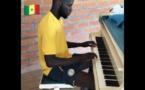 VIDEO- SALIF SANE: Le milieu de terrain sénégalais joue du piano