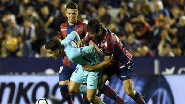 Liga : Battu par Levante, Barça ne soulevera pas la Coupe en or