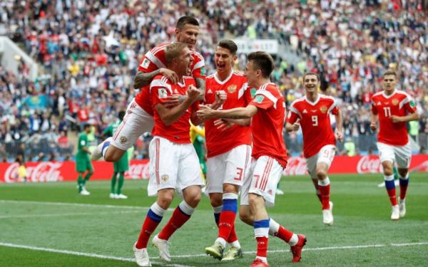La Russie entre en force dans la compétition (5-0)