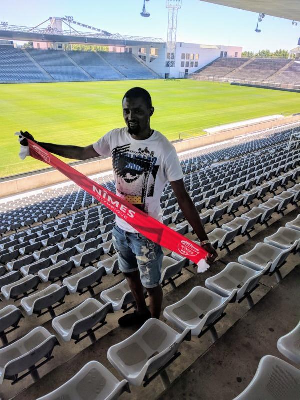 Moustapha Diallo signe à Nimes