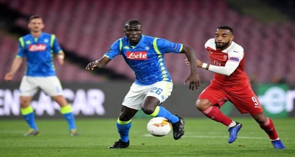 Mercato : Manchester United prêt à casser sa tirelire pour Kalidou Koulibaly