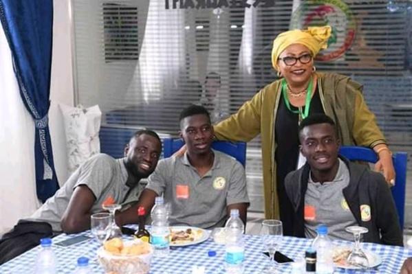 Echos de Caire : la Mairesse de Dakar Soham Wardini rend visite les Lions (Photos)