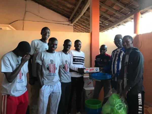 Saint-Louis : Ousseynou Ba arme le quartier de Balakoss avec un don de matériel sanitaire