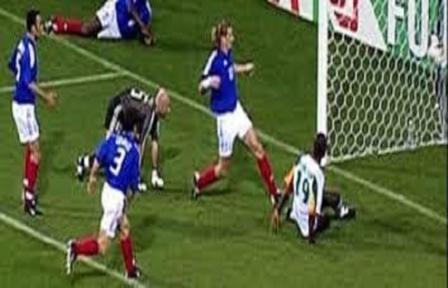 Vainqueur de la France en 2002 : Emmanuel Petit reconnait que le Sénégal était plus fort