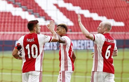 Ajax : une victoire 13-0 contre Venlo !
