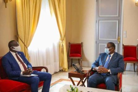 Candidat à la présidence de la CAF: Augustin Senghor reçu par Macky Sall