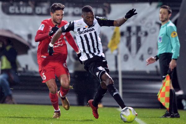 Ligue 1/ Prix Marc Vivien Foé : Le camerounais Ekambi sacré