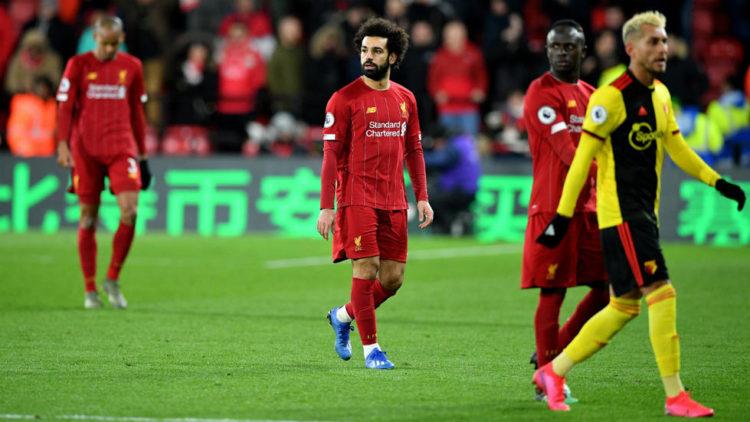 Angleterre: les clubs veulent annuler la saison, Liverpool retient son souffle