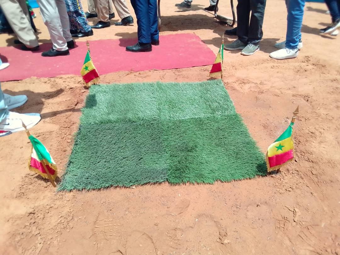 Cérémonie de lancement de la pose de gazon synthétique au stade Maniang Soumaré