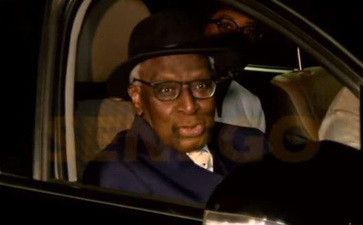 IMAGES  : Vivez l'arrivée de Lamine Diack à Dakar