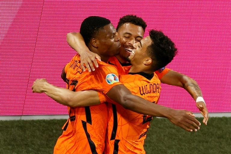Euro : Pays-Bas bat Autriche (2-0)