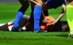 Bafétimbi Gomis victime d'un malaise en plein match (vidéo)