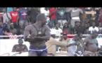 Lutte : Wouli Wouliwaat envoie au quatre appuis le policier de l'arène Big Pato (Regardez)