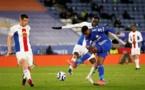 Vidéo – Premier League : Quand l'arbitre arrête le match pour permettre à Cheikhou Kouyaté et Fofana de faire la rupture du jeûne
