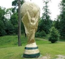 Coupe du monde: Un trophée à l'histoire tourmentée